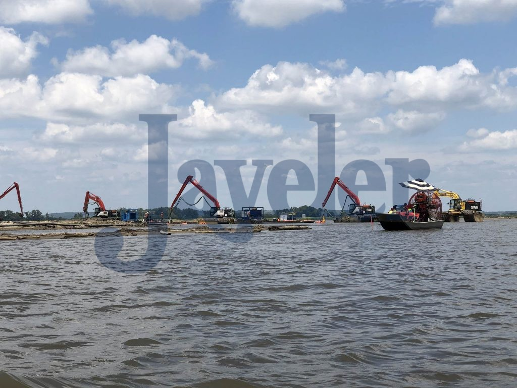 4- TO75 Submersible dredge Pumps deployed for marsh Excavators.